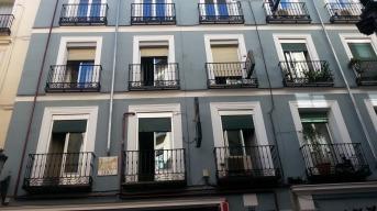Näin viehättäviä asuntoja maalikaupan yläkerrassa.